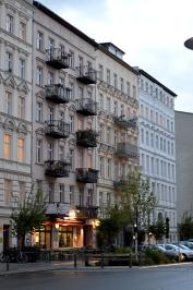 1 BERLIN 056
