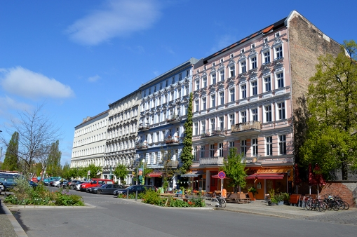 1 BERLIN 096