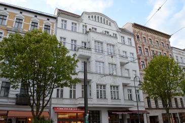 1 BERLIN 222