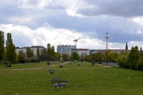 1 BERLIN 024