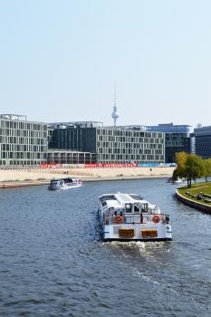 1 BERLIN 051