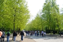1 BERLIN 093