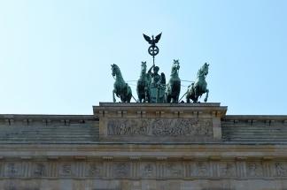 1 BERLIN 147