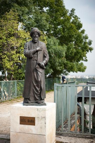 Statue of Gül Baba