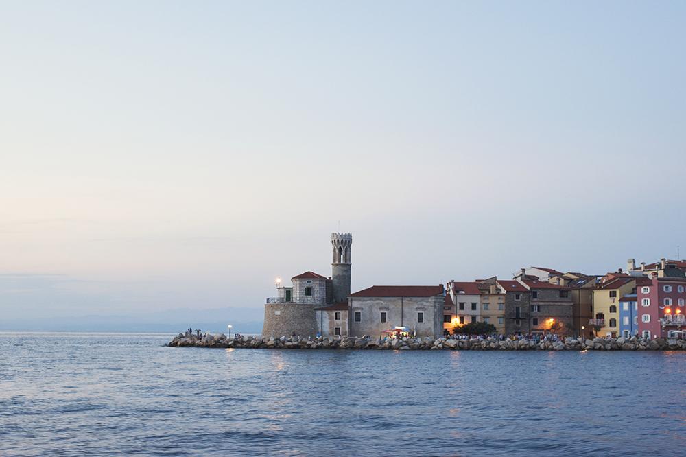SLO-lighthouse