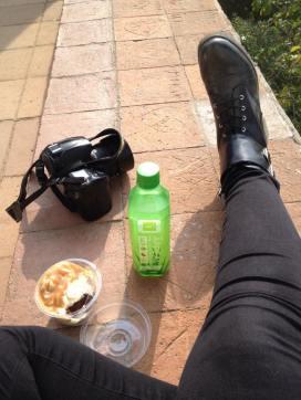 snack. Salted caramel cupcake and aloe vera drink